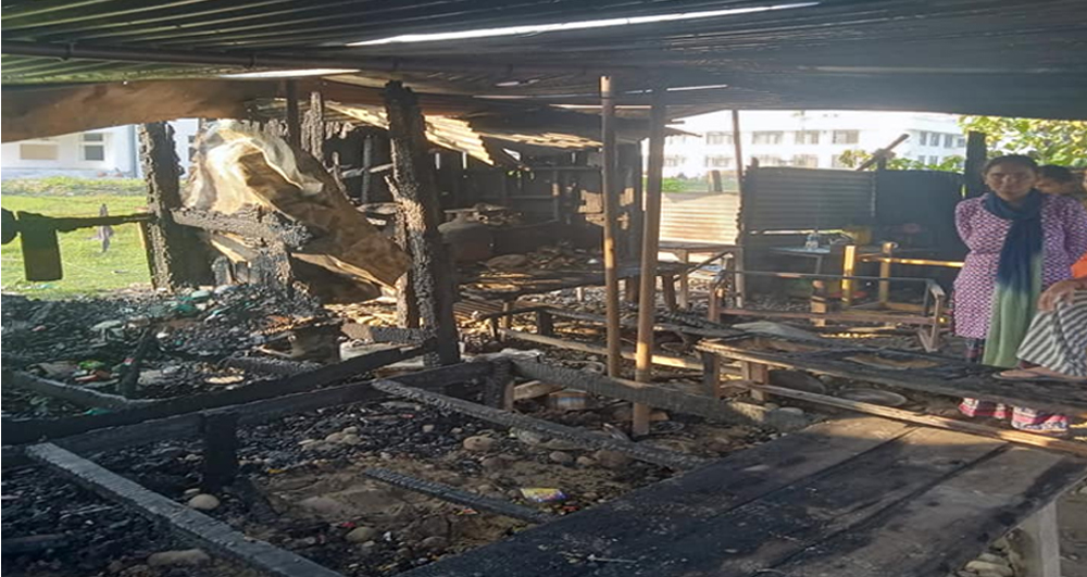 Four shops  destroyed by fire in front of Geta Eye Hospital